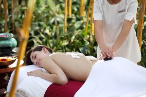 Earthstone therapy at Ananda