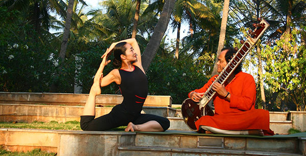 Yoga at Shreyas with musician