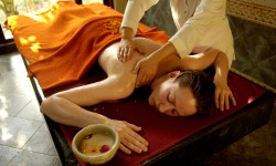 Ananda India Massage Treatment