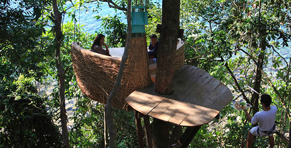 tree pod dining at Soneva