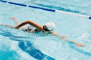 swimming to prepare for a fitness holiday